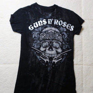 GNR Guns and Roses Black Tee w/ Skull Size Small